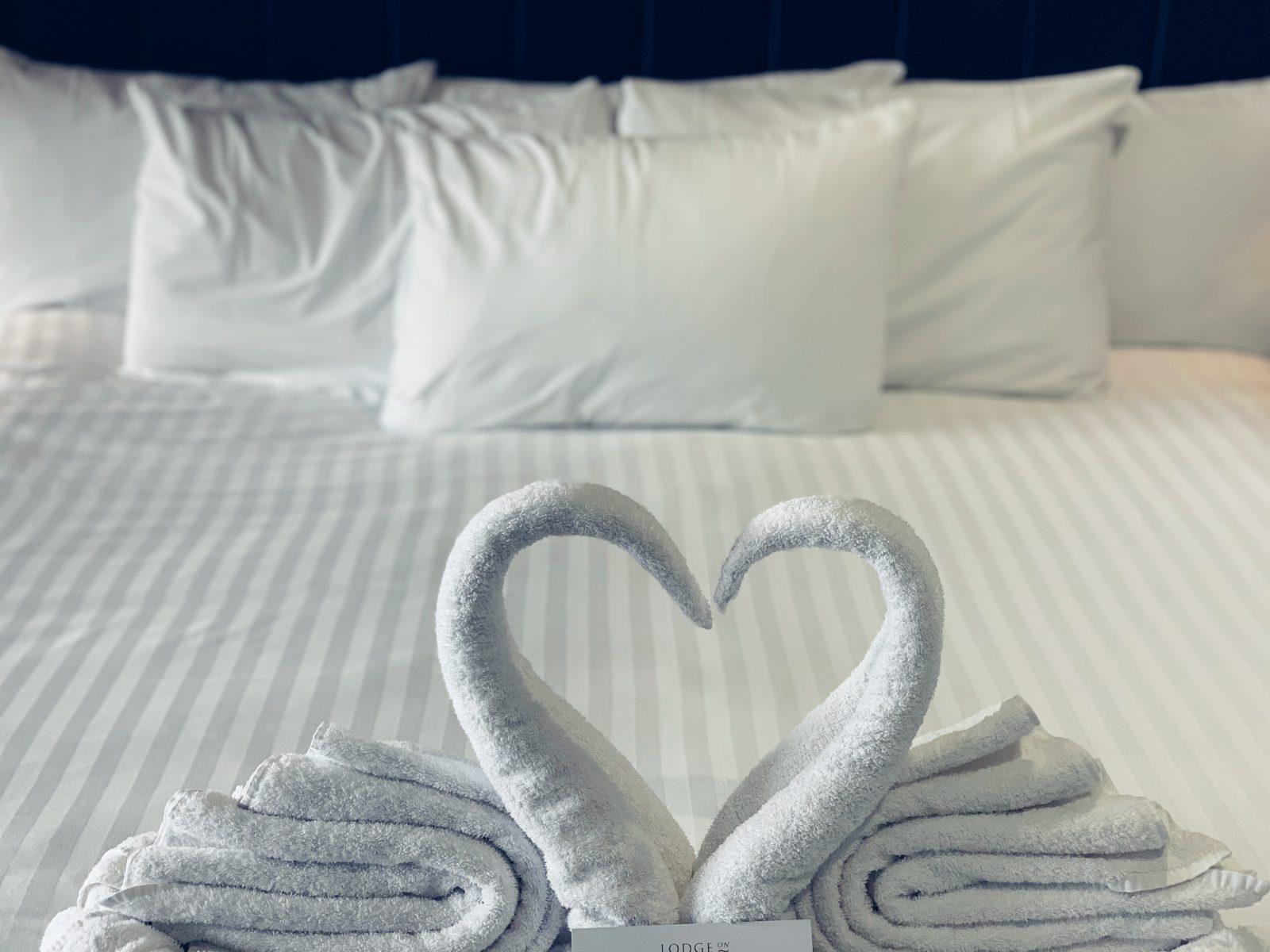 Lodge on Loch Lomond bedroom